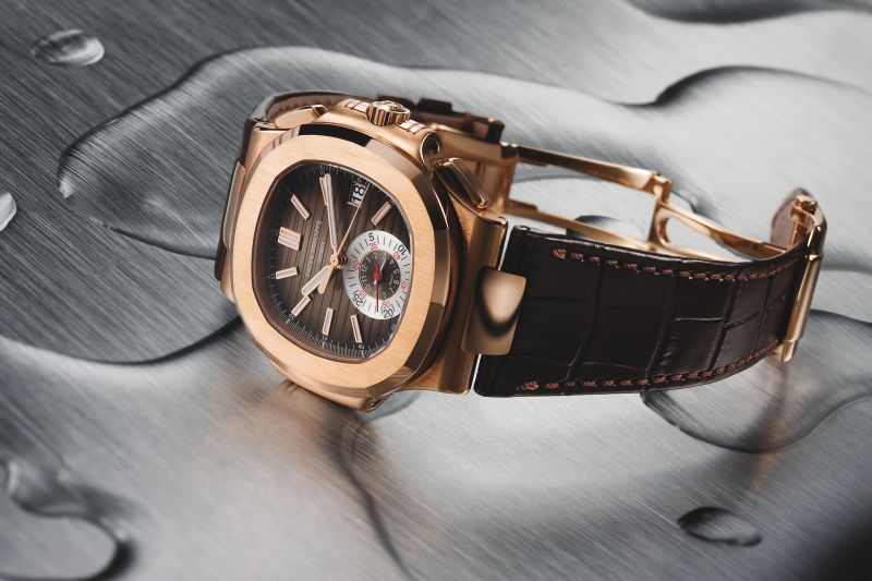 Nautilus Ref. 5980: The Ref. 5980 Nautilus chronograph in red gold boasted a remarkably clean subdial layout.