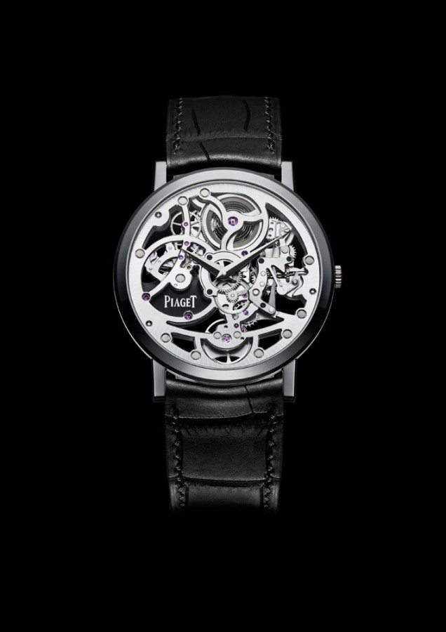 PVD-coated white gold highlights the refined skeleton movement