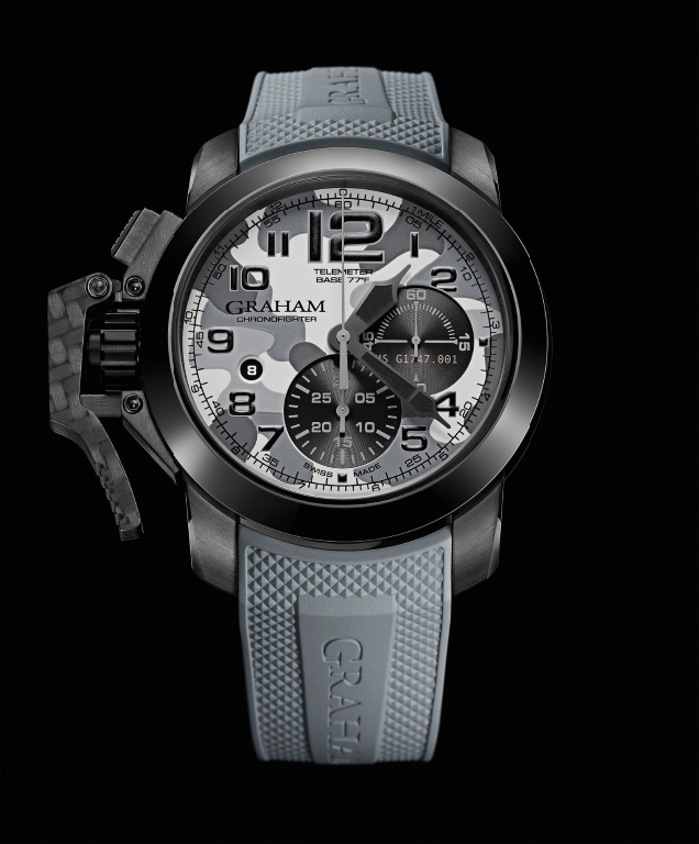 GRAHAM Chronofighter Oversize Black Arrow_mountain_lr