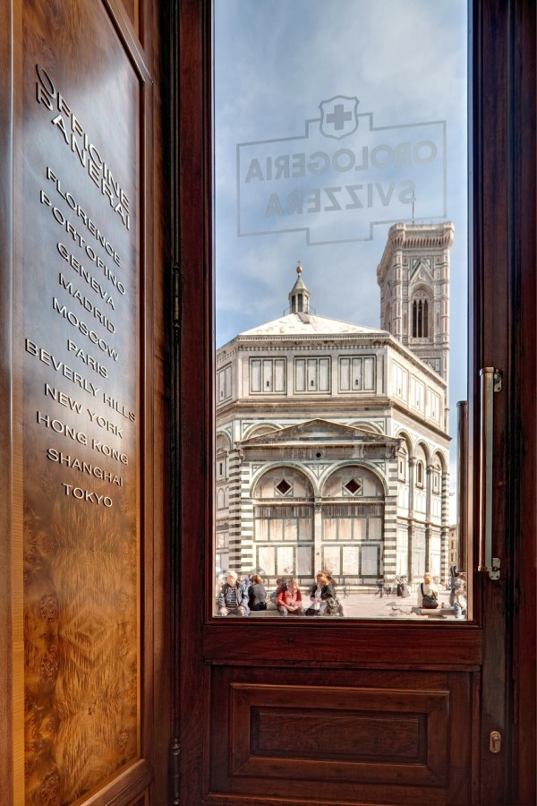 PANERAI FLORENCE BOUTIQUE - VIEW FROM THE FRONT DOOR