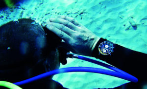 Underwater, the chronograph functions perfectly, and can also be operated. The bezel is clearly visible at all times, and is practical as it can keep track of diving time