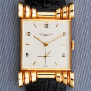 1940 Yellow-Gold Watch with Decorative Lugs