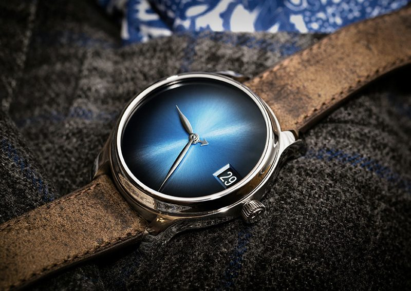 h-moser-endeavour-perpetual-calendar-concept-funky-blue lifestyle