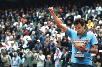 Federer wins the elusive French Open in 2009 (Image © Getty Images)