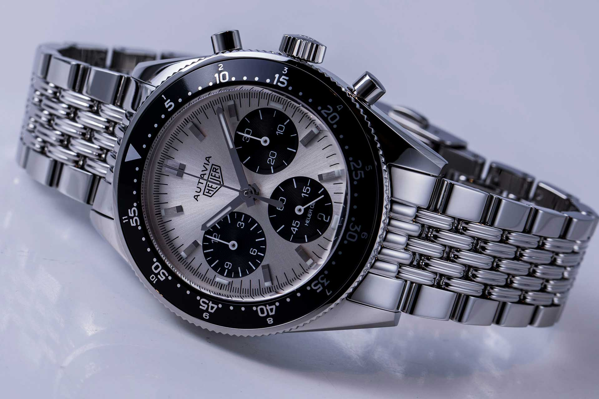 First look tag heuer autavia video revolution for Tag heuer autavia