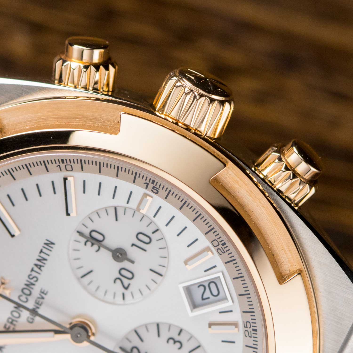 Pink gold pushers and crown on the Vacheron Constantin Overseas two-tone Chronograph