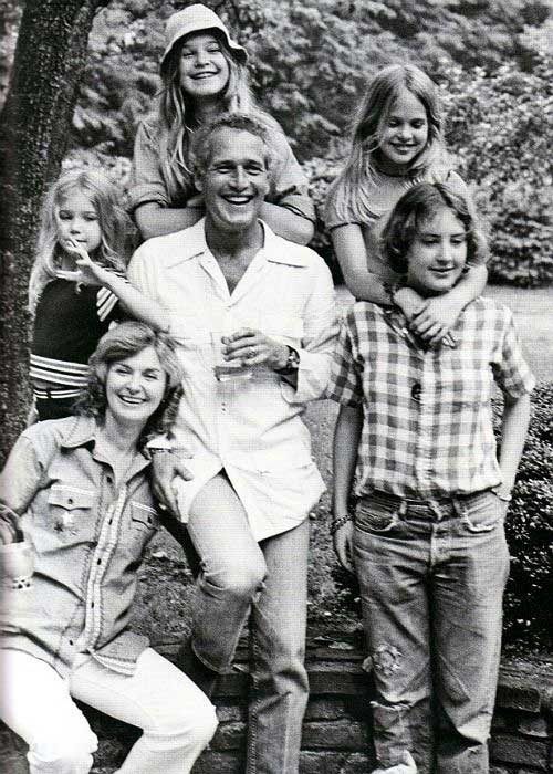 Paul, Joanne, and daughters (clockwise from left) Clea, Nell, Melissa, and Stephanie, in 1973