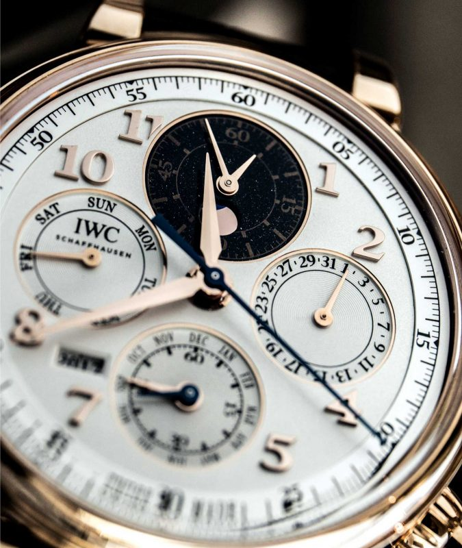 The new watch features subdials displaying the perpetual calendar, moonphase and chronograph functions in a legible fashion