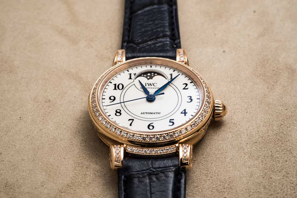 "Da Vinci Automatic Moon Phase 36 Edition ""150 Years"" in 18K red gold set with 206 diamonds (© Revolution)"