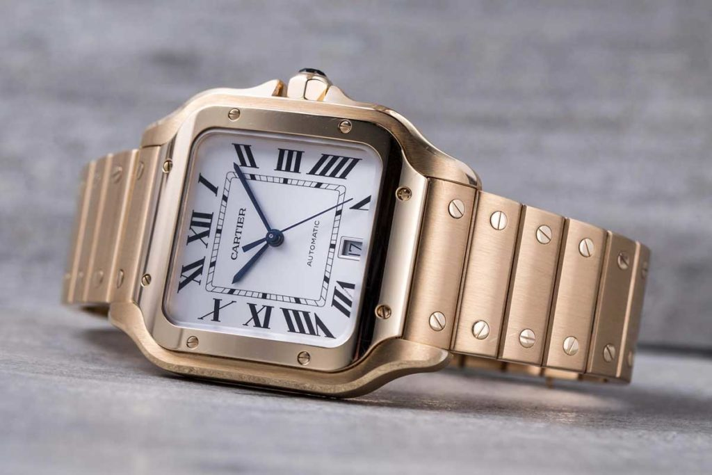 The 2018 Large Cartier Santos in full yellow gold (© Revolution)