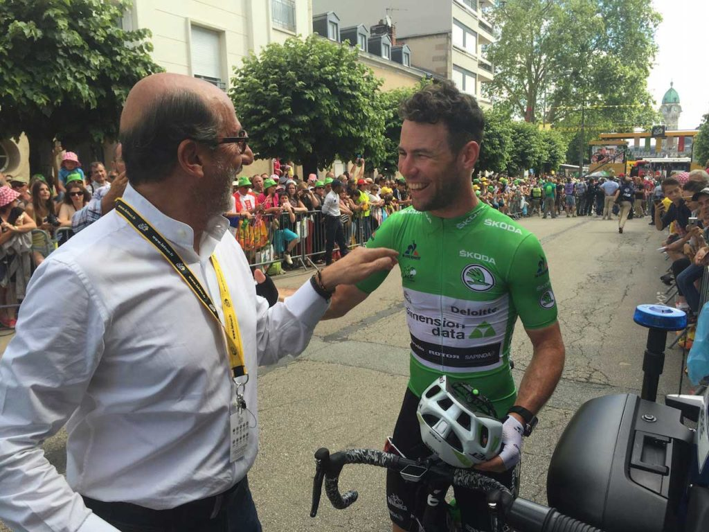 Richard Mille with words of encouragement for Mark Cavendish, just before stage 5 of the Tour de France 2016 kicked off (Image: Bill Springer)