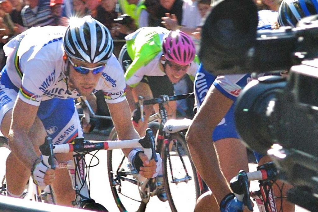 2006, Mark Cavendish's first Tour de France, that's him with the pink helmet, not looking particularly composed (Image: commons.wikimedia.org)
