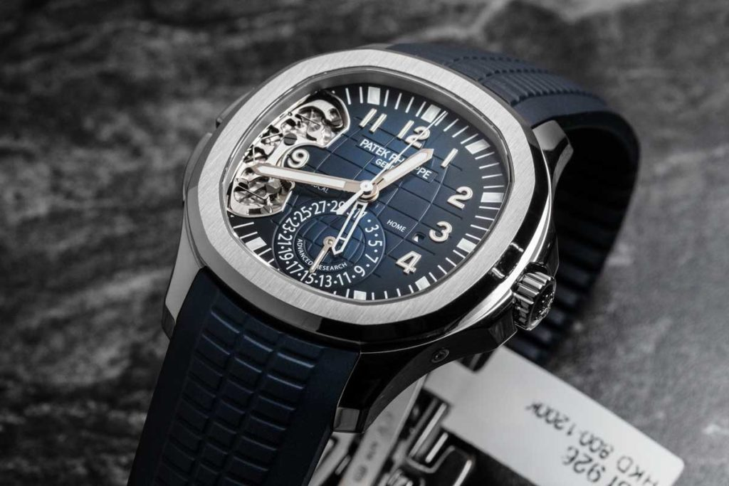 Advanced Research Aquanaut Travel Time ref. 5650G-001 (© Revolution)