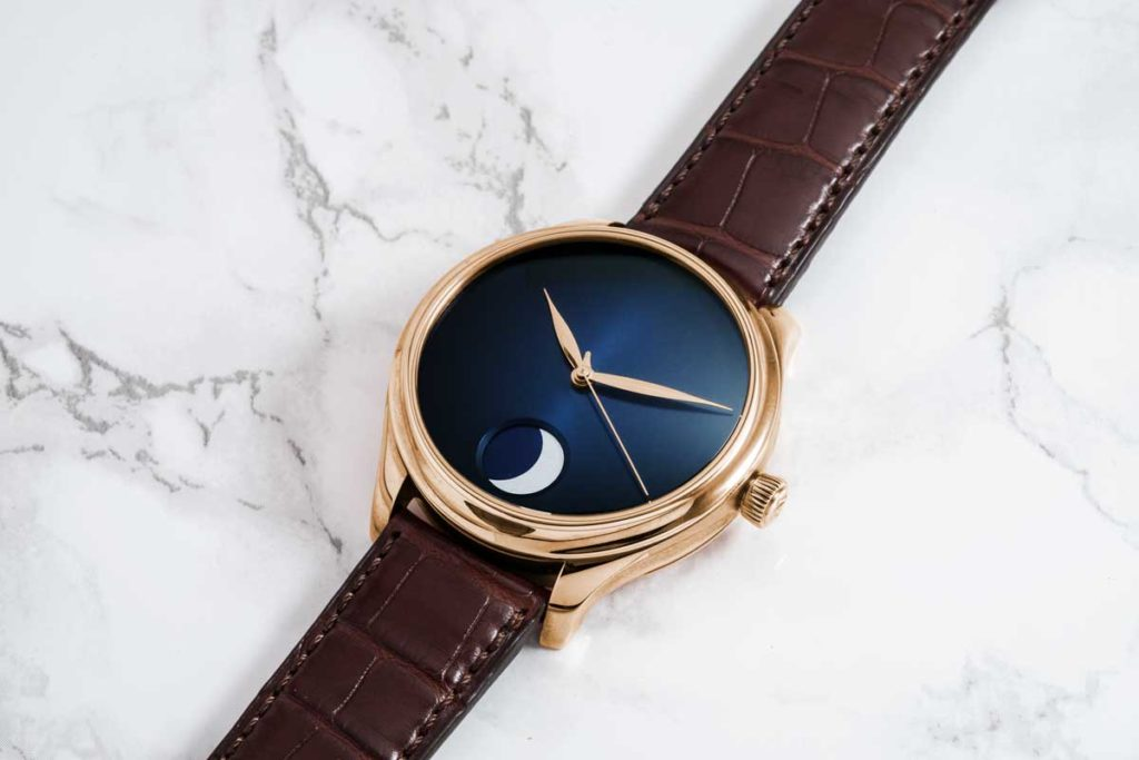 H. Moser & Cie Endeavour Perpetual Moon Concept in 18-carat 5N red gold model with midnight-blue fumé dial (Image © Revolution)