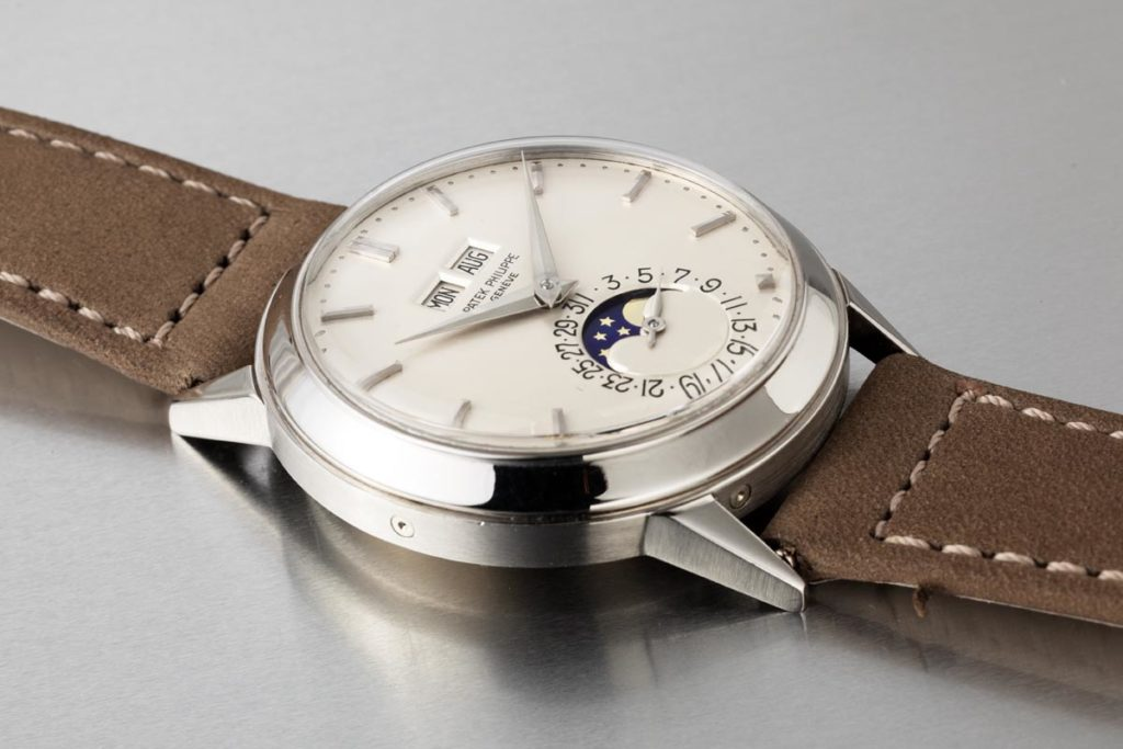 Case side of Lot 384, a 1971 ref. 3448 at the Phillips Hong Kong Watch Auction: SEVEN in white gold (Image © Revolution)