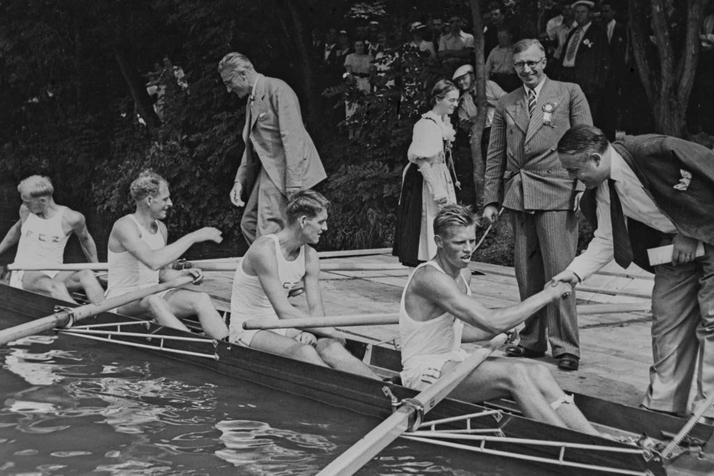 The Homberger brothers after a rowing victory in Zurich