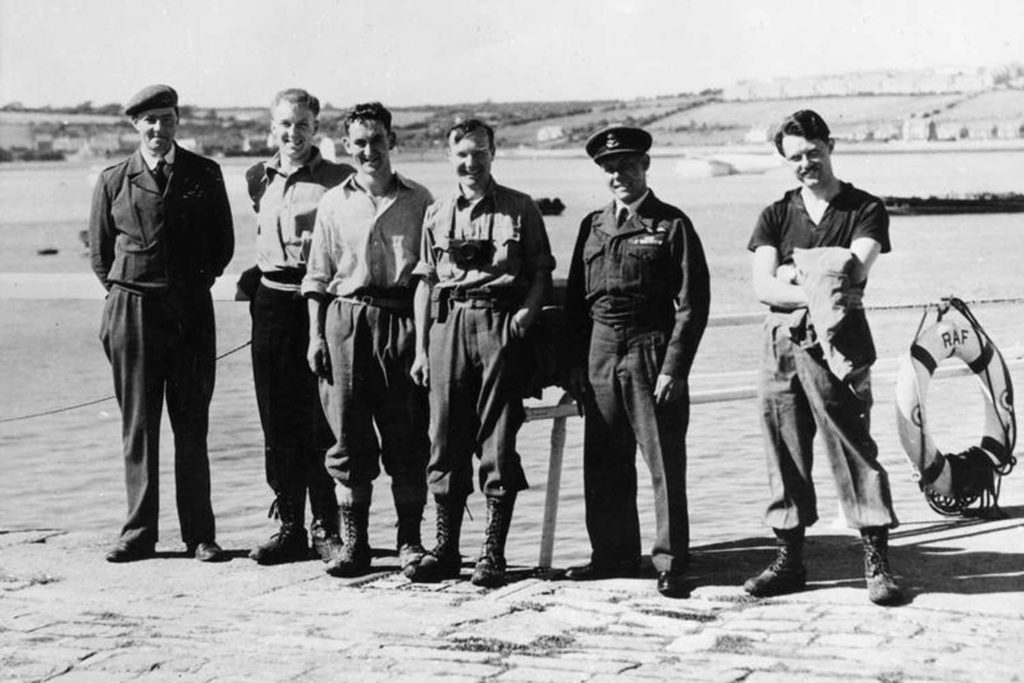 Roy Homard and members of the expedition