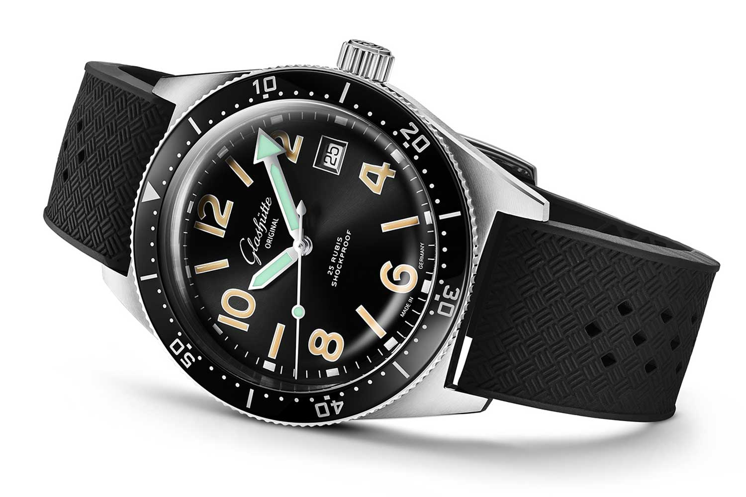 The limited edition SeaQ 1969 is inspired by a watch from the same year