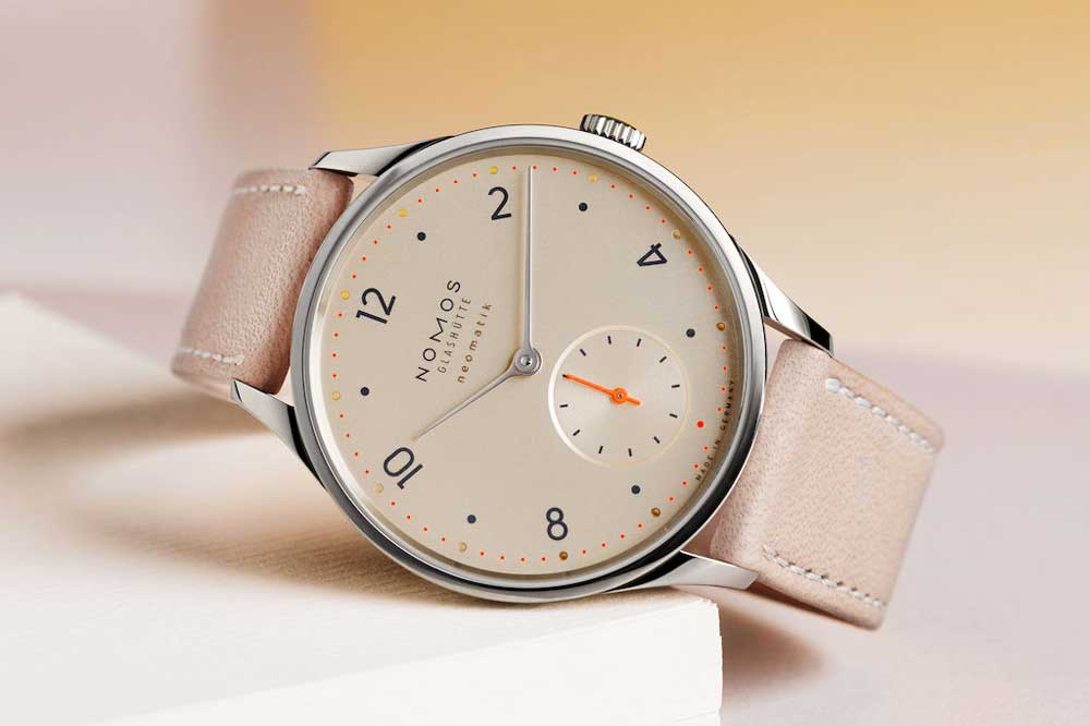 Nomos Minimatik with champagne dial