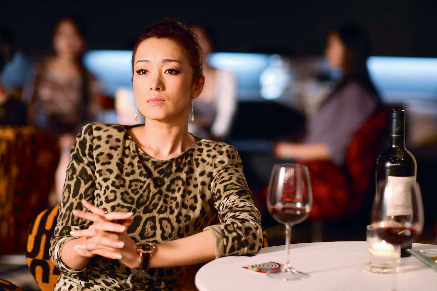 Actress Gongli wears a Hamilton Jazzmaster Viewmatic in What Women Want