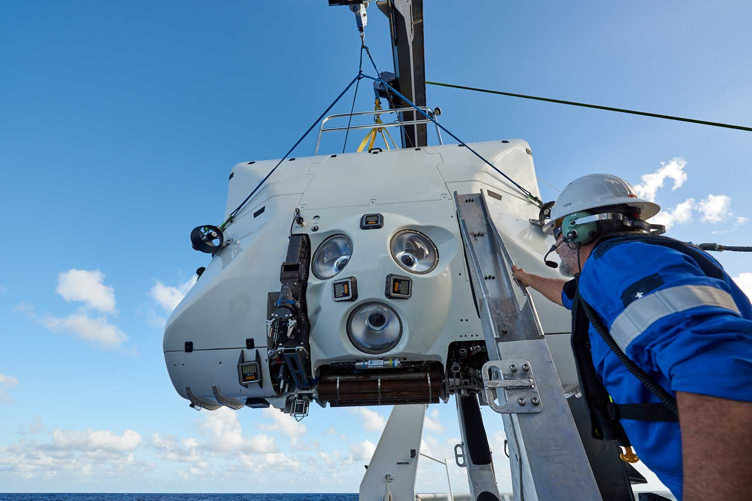 DSV Limiting Factor; note robotic arm (Image: ReeveJolliffe)