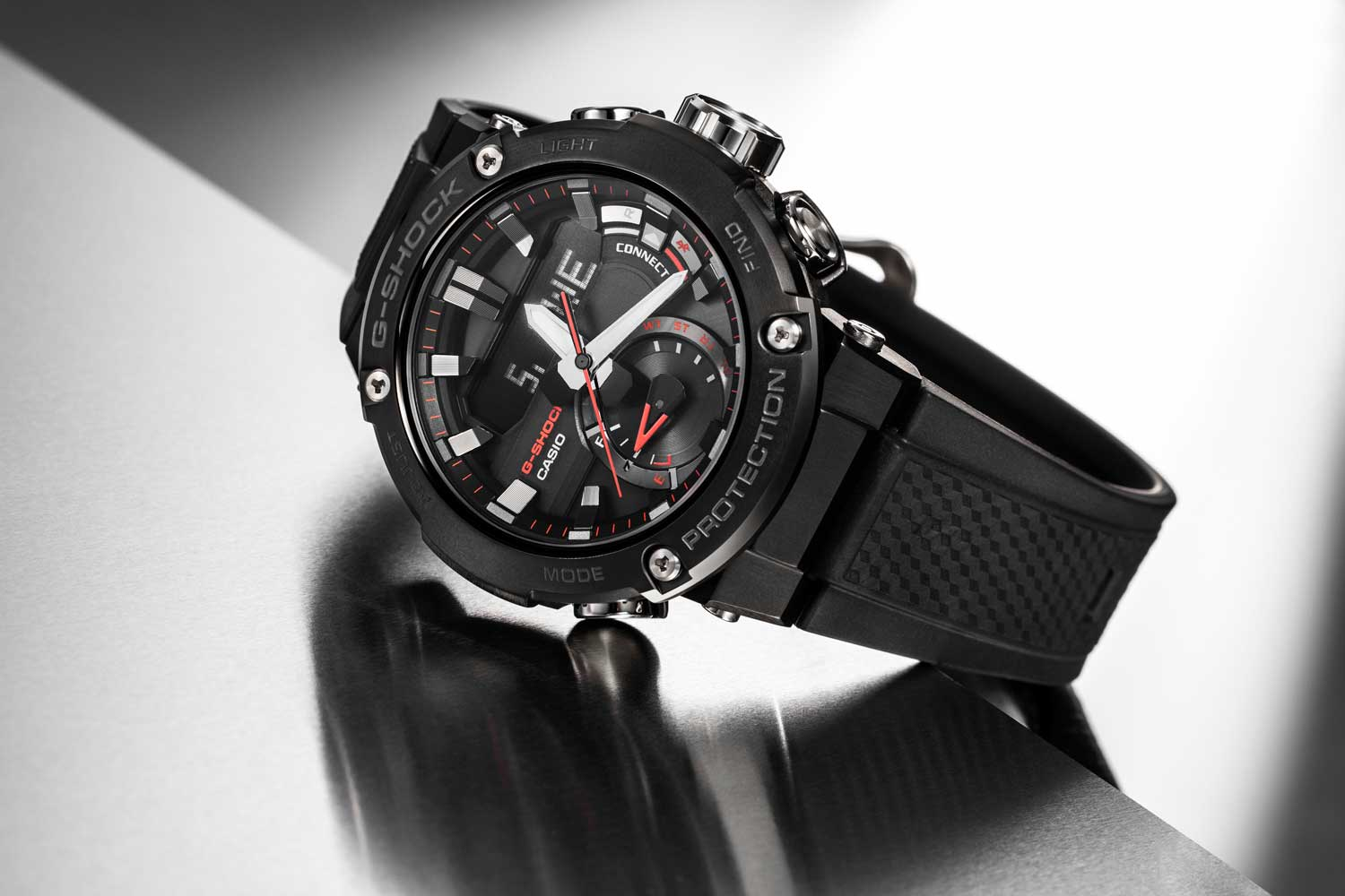 Casio G-Steel Carbon Core Guard GST-B200B-1A (Image © Revolution)