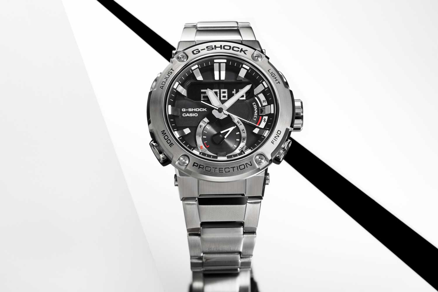Casio G-Steel Carbon Core Guard GST-B200D-1A (Image © Revolution)