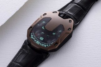 URWERK UR-105 The Hour Glass (Image © Revolution)