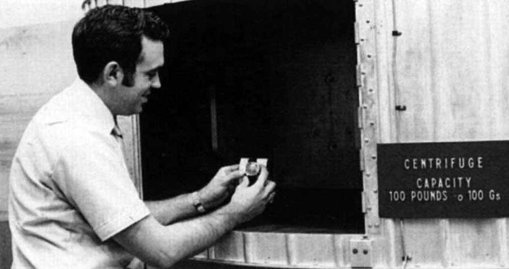 James H. Ragan putting a Speedmaster to the test (Photo: NASA)
