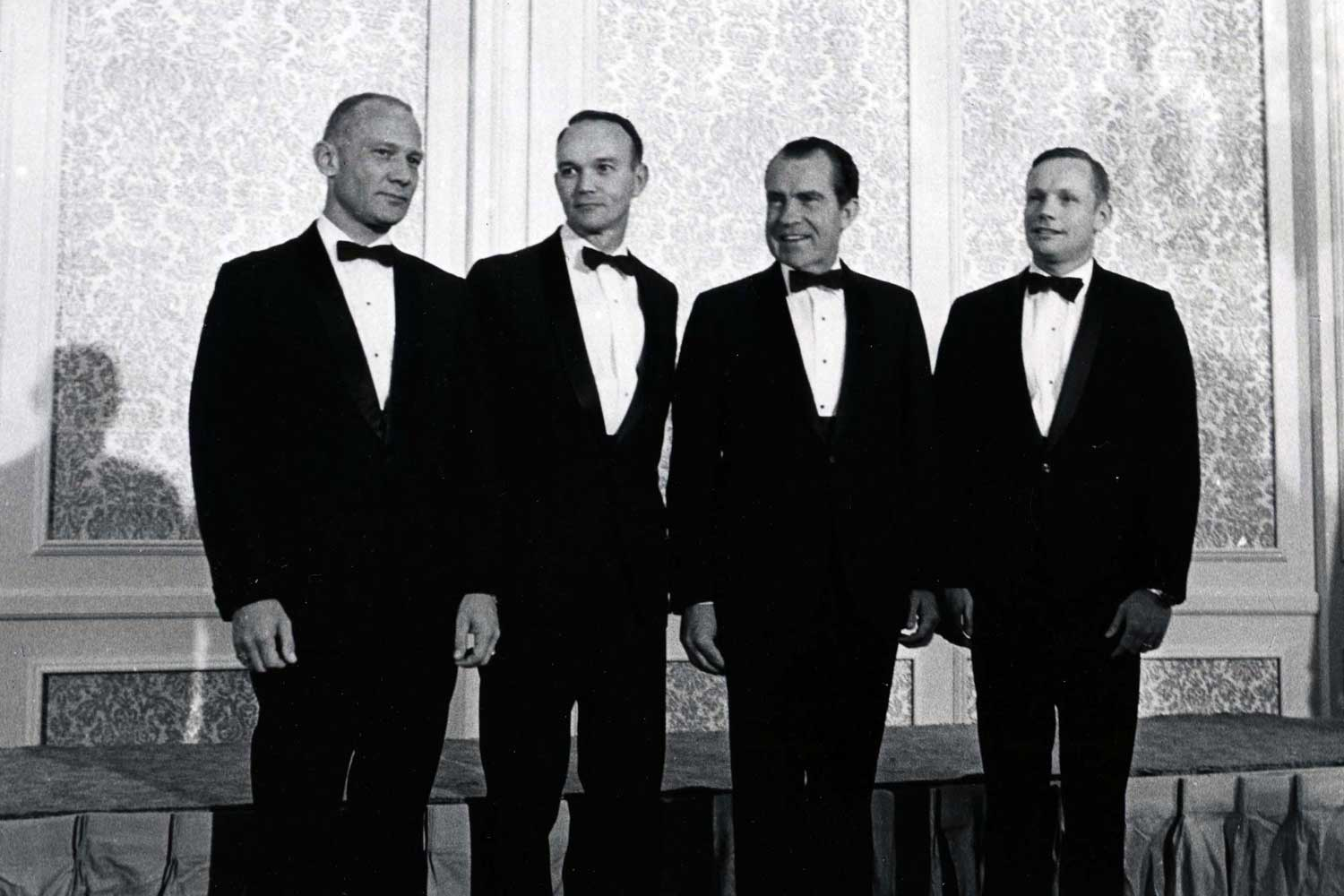 President Nixon and the crew of the Apollo 11. From left to right: Buzz Aldrin, Michael Collins, President Nixon, and Neil Armstrong (Image: Richard Nixon Space Foundation)