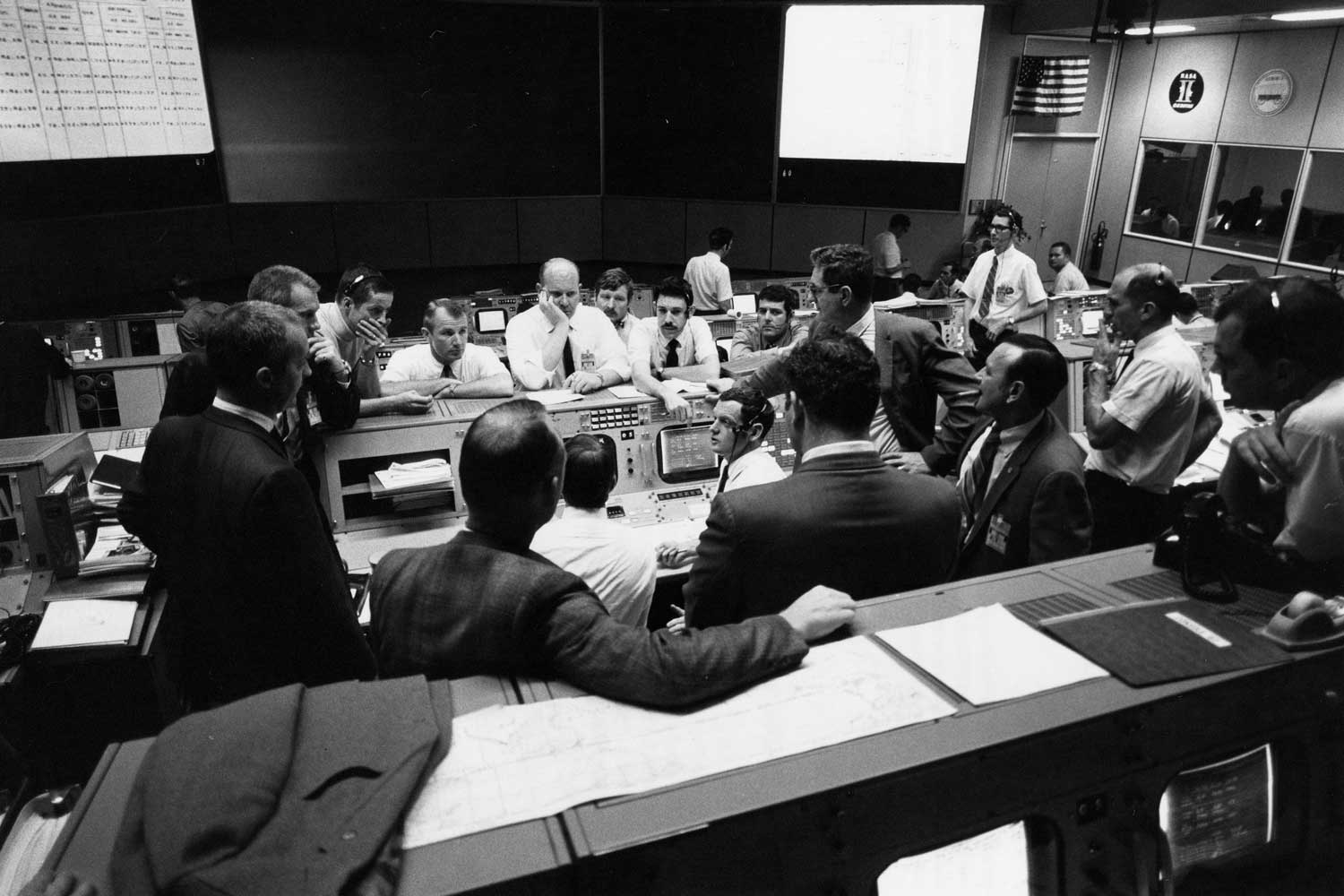 Mission Control during final 24 hours of Apollo 13 mission. (Image: NASA)
