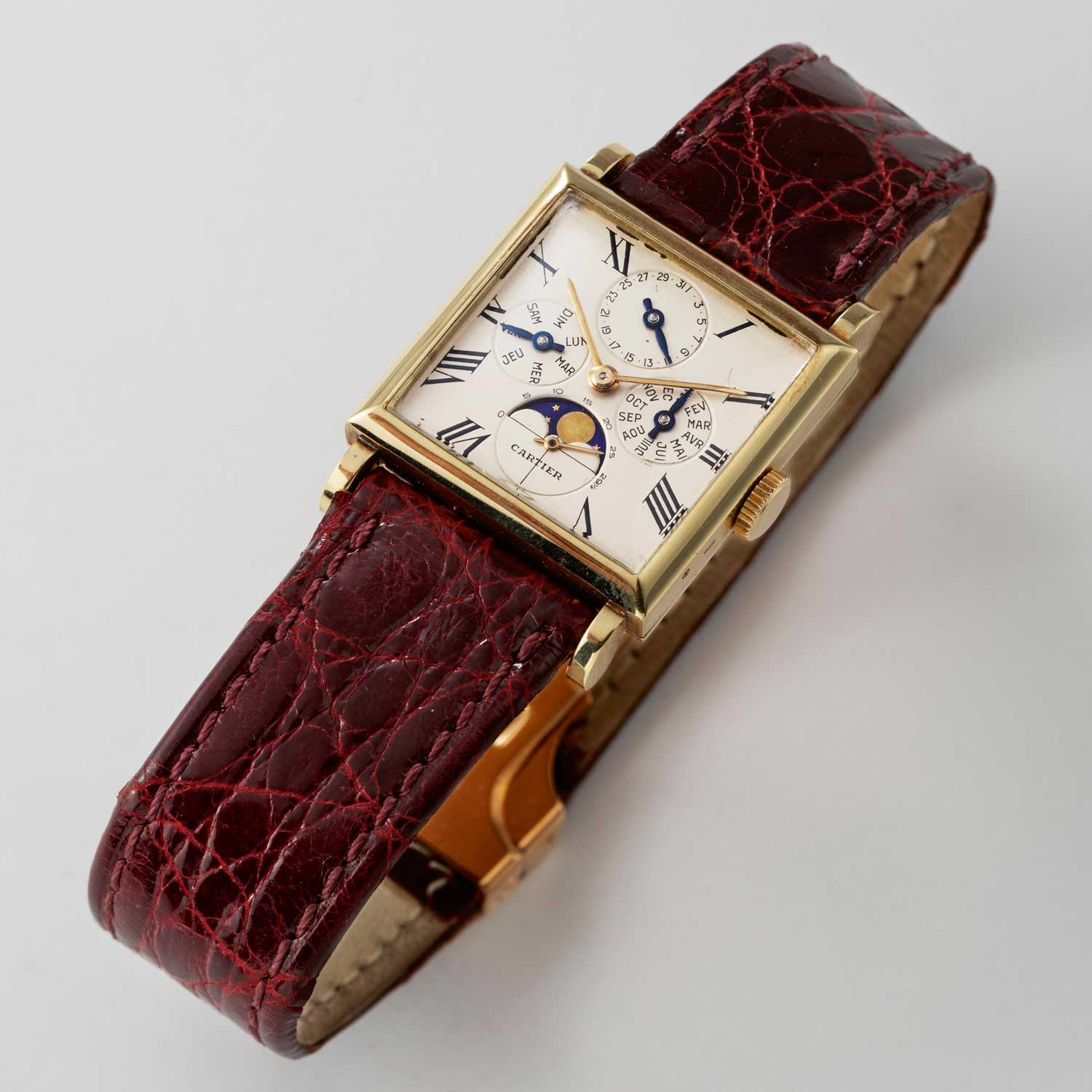Rare Cartier watch with a complete calendar with movement by Audemars Piguet (Image © Revolution)