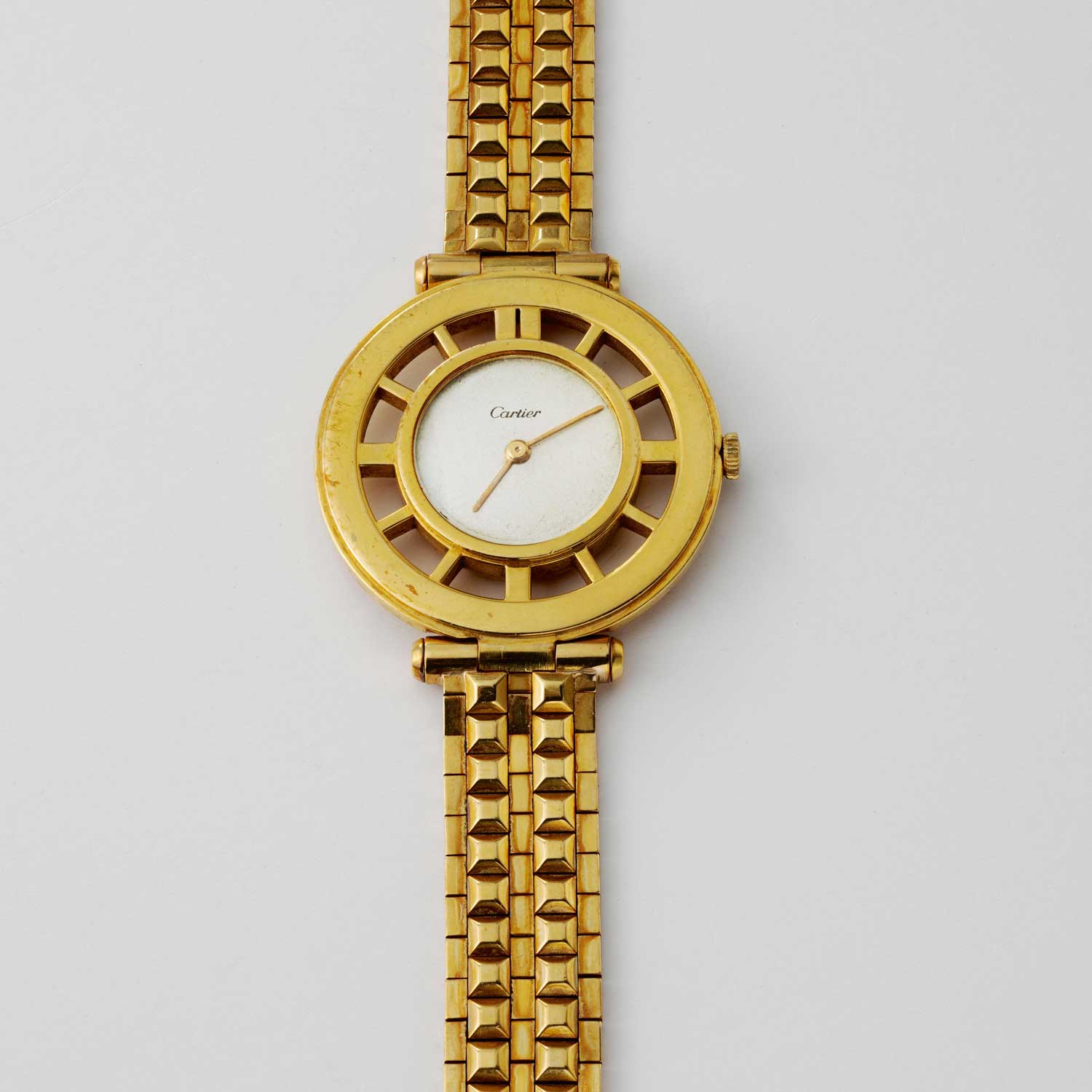 Helm watch in yellow gold, made during the 1940s and 1950s (Image © Revolution)