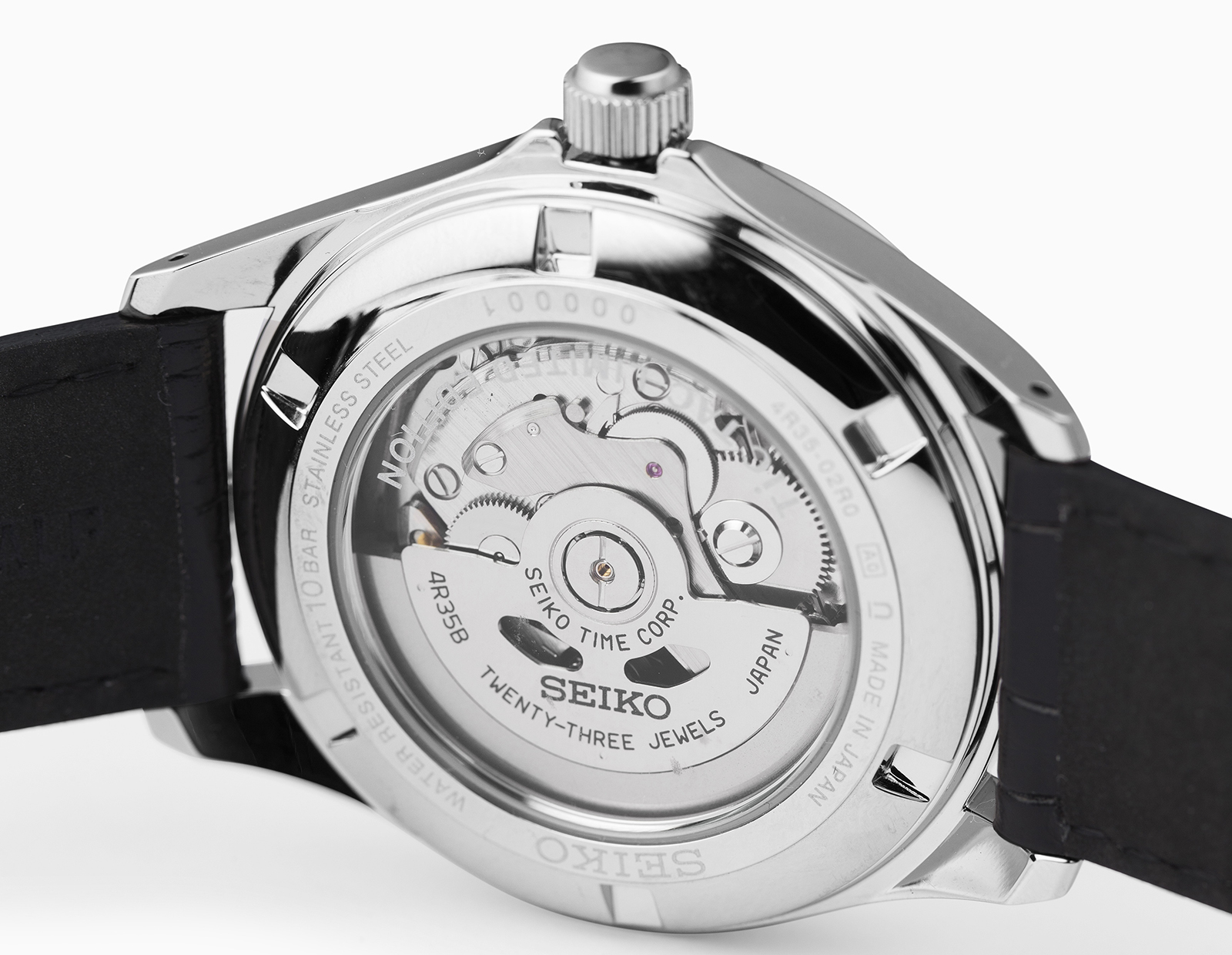 On the back of the watch, the 4R35 caliber is visible, a power workhorse of the company and usually seen on its Prospex models.