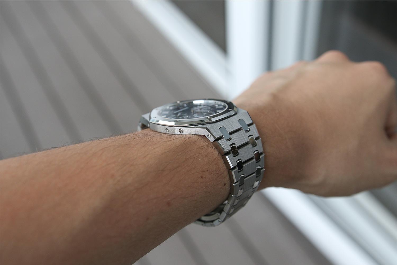The AP RO Selfwinding Perpetual Calendar Ultra-Thin on the wrist