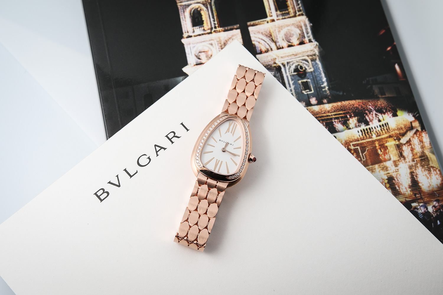 Bvlgari Serpenti Seduttori Pink Gold and Diamonds (Image by Kevin Cureau)