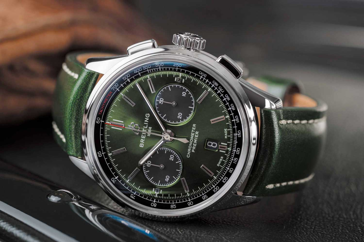 B01 Chronograph 42 Bentley British Racing Green with British racing green leather strap