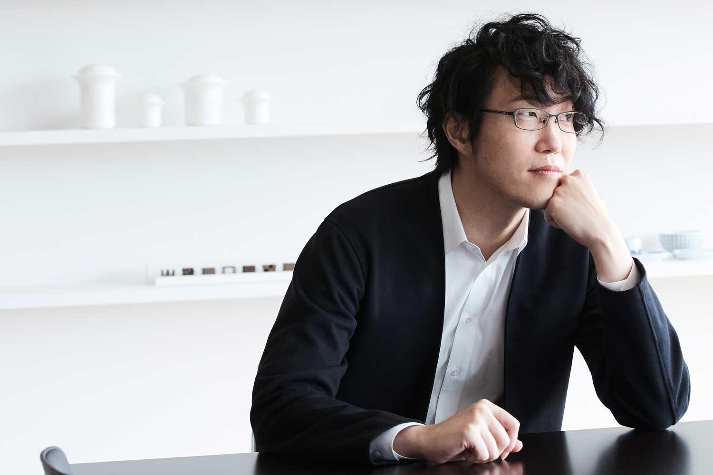 Oki Sato a.k.a. nendo (Photography by Kento Mori)