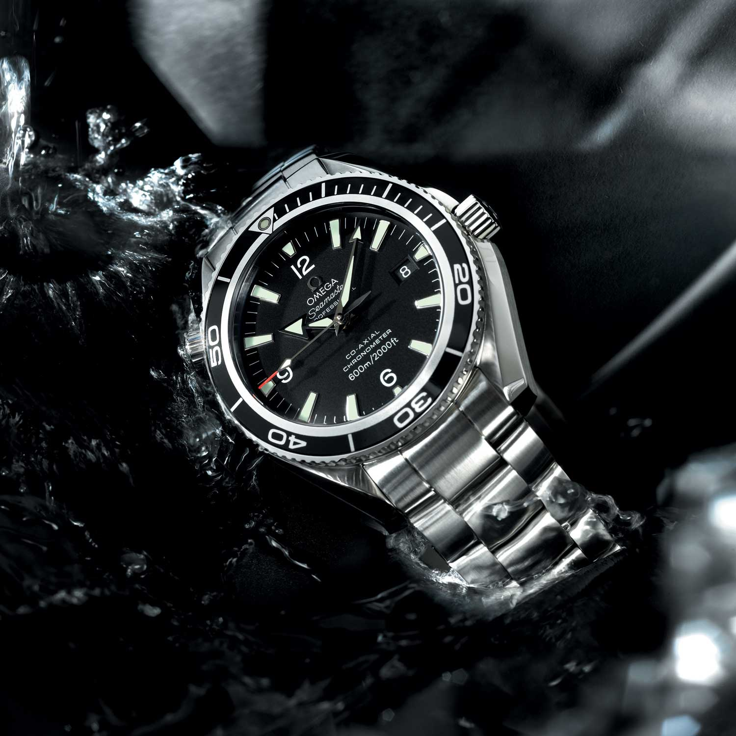 Seamaster Planet Ocean 600M 42mm worn by Bond in Quantum of Solace (2008)