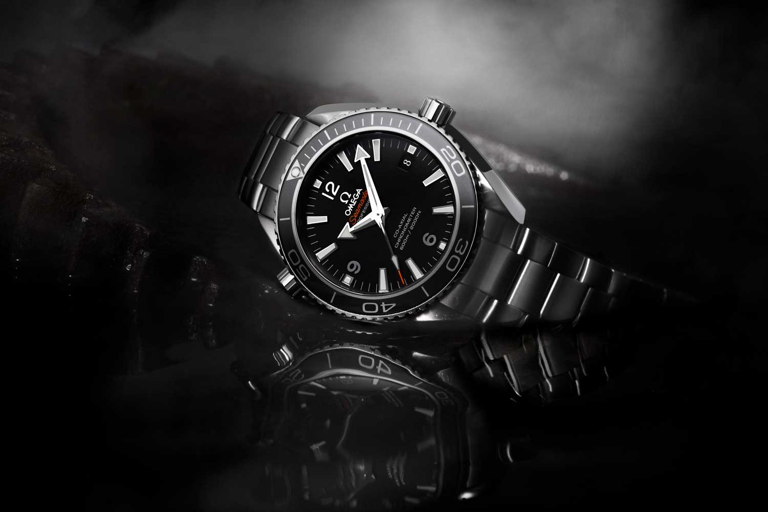 Omega Seamaster Planet Ocean 600M Ceramic 42mm worn by Bond in Skyfall (2012)