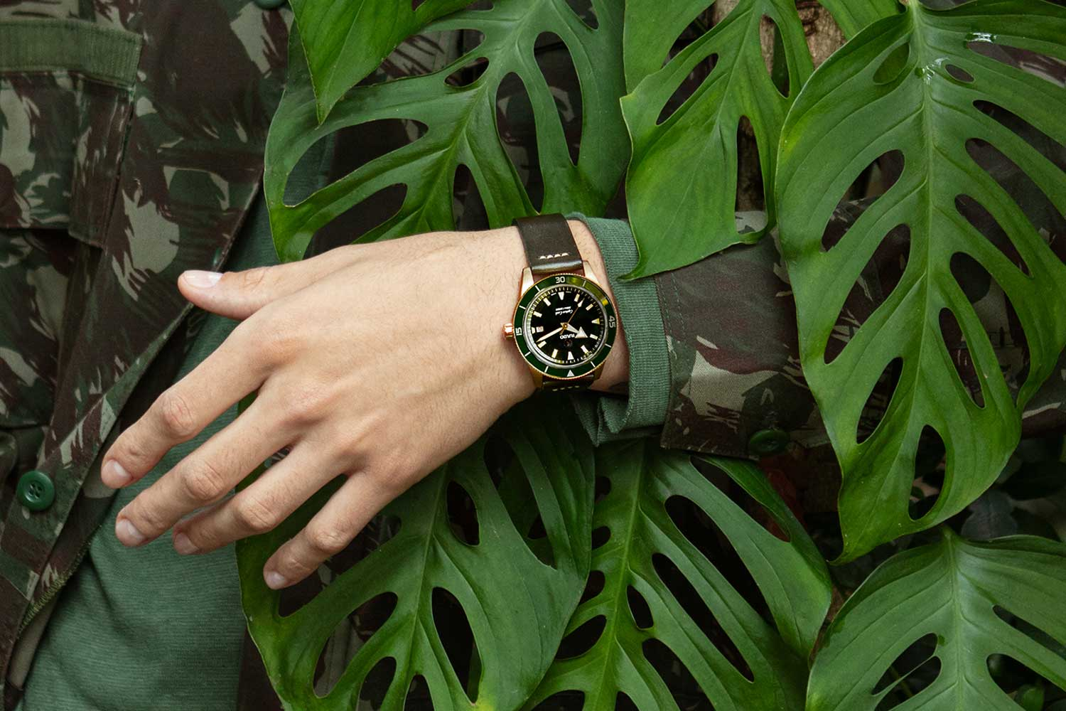 While there are no specs on this Rado Captain Cook watch as yet, it appears to be a bronze model with green ceramic bezel and dial, sized at 42mm