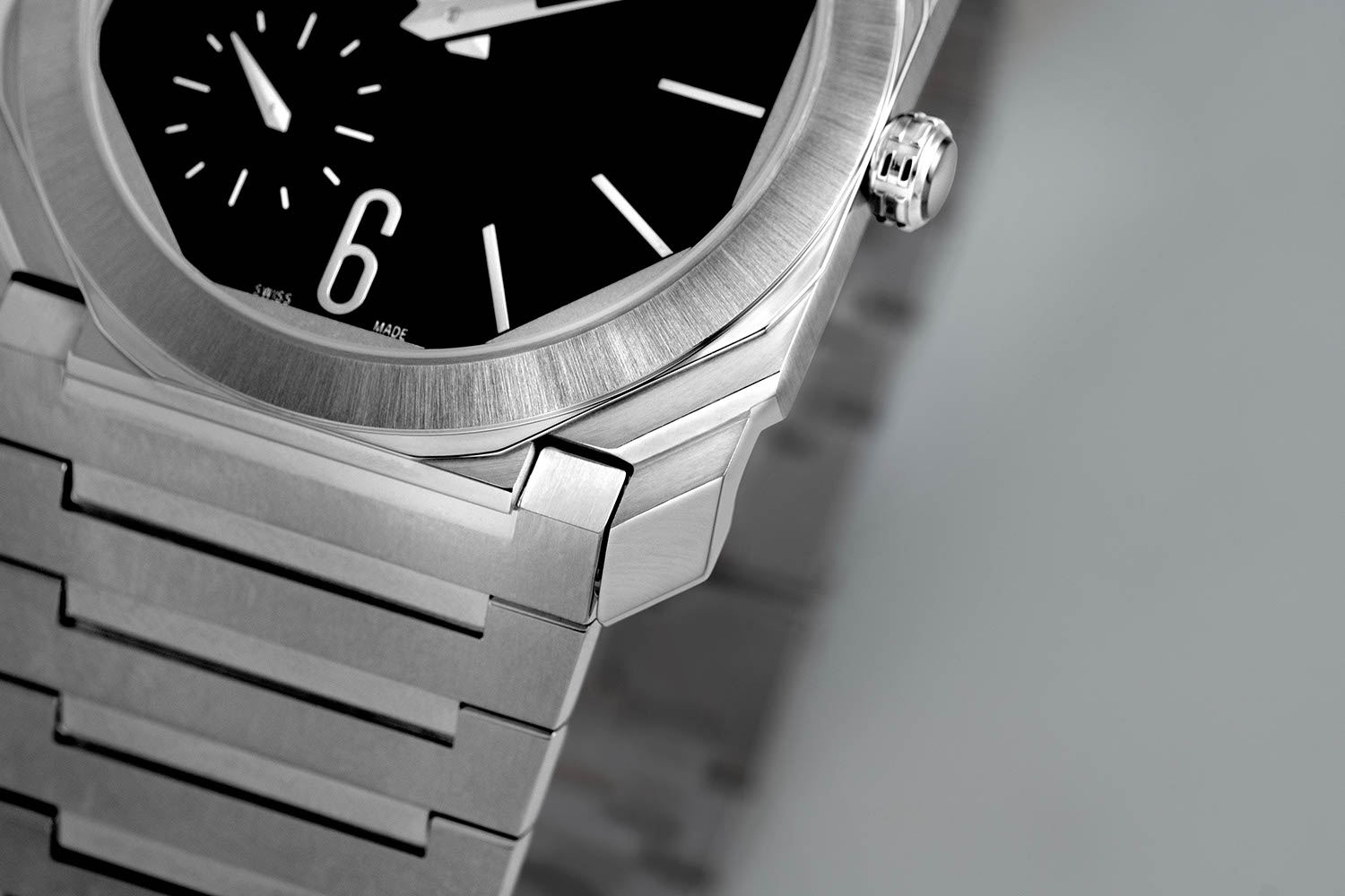 Faceted lugs on the Octo Finissimo Automatic Satin-Polished Steel (Image © Revolution)