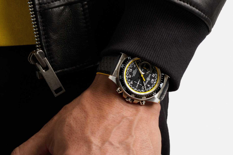 BR V3-94 R.S.20: Round-cased tool chronograph