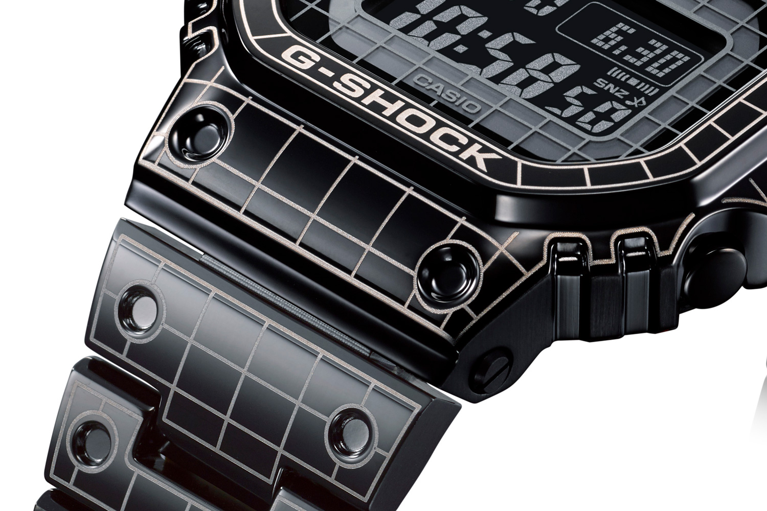Laser etched grid design on the band of the Full Metal G-SHOCK GMW-B5000CS