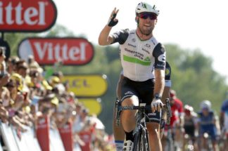 Mark Cavendish sprinting to his fourth stage win at stage 14 of the Tour de France 2016, his RM 011 Felipe Massa in carbon TPT, personally loaned to him by Richard Mille, on his wrist