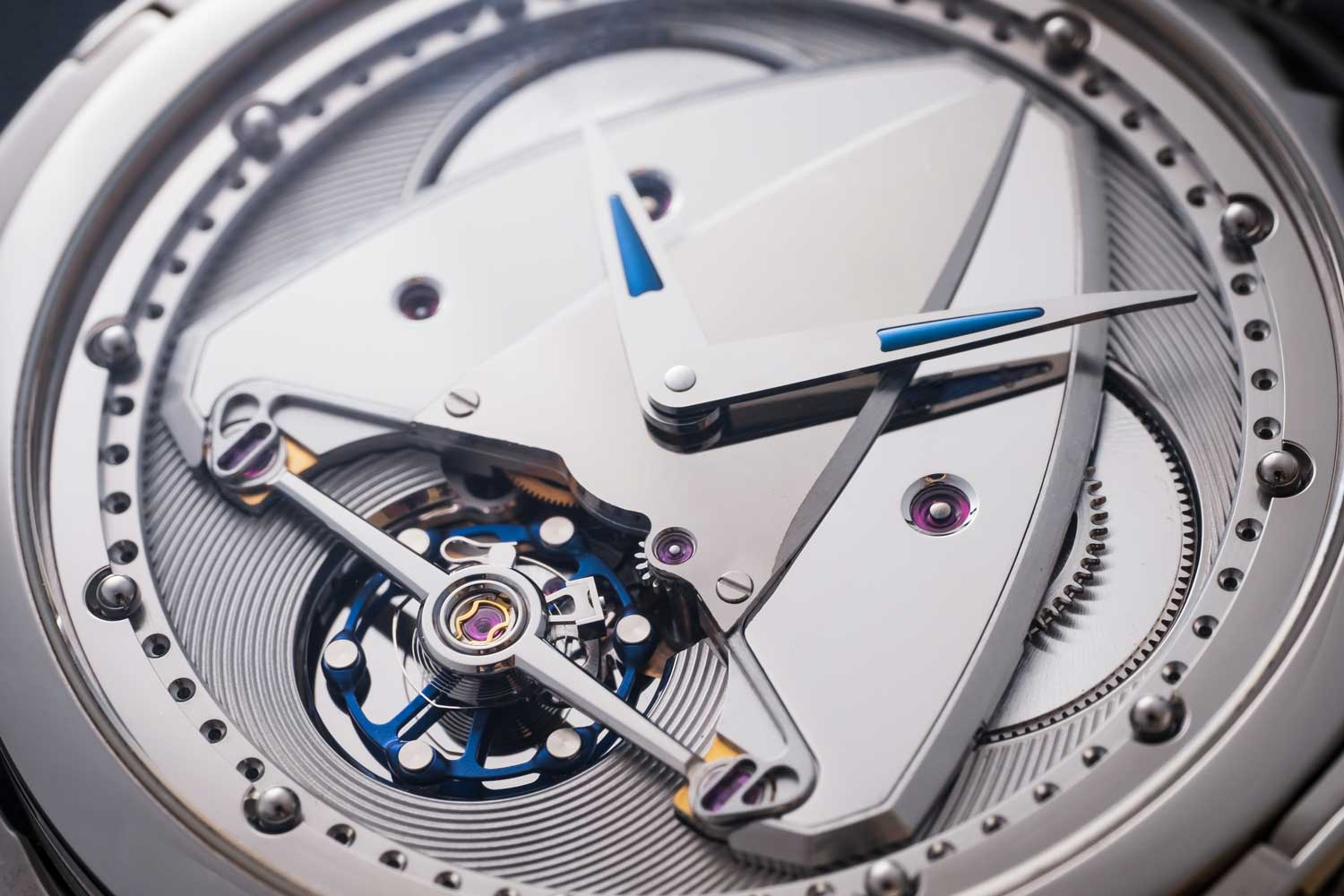De Bethune's signature Delta-shaped bridge on the new DB28XP.