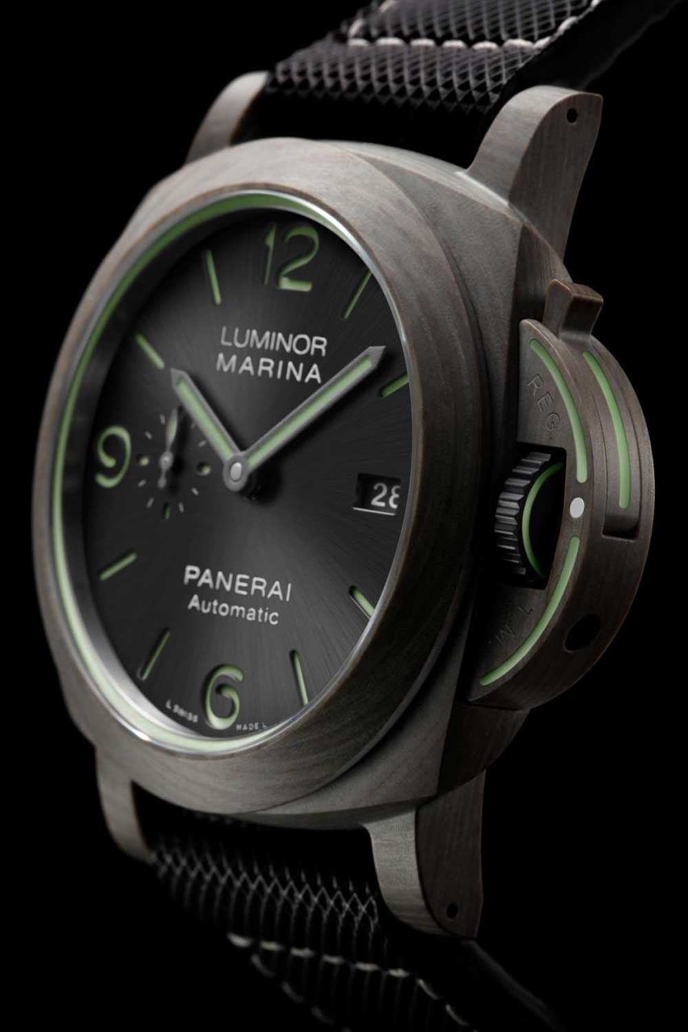 Basalt fibers are processed and developed in the same way as the Carbotech material to create this case.
