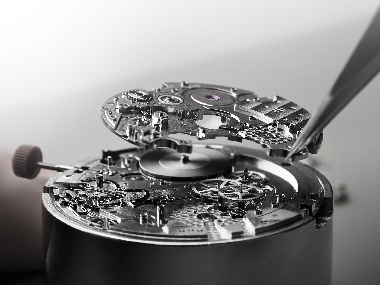 Assembling the BVL 318 caliber, one can see just how brilliantly the movement is designed
