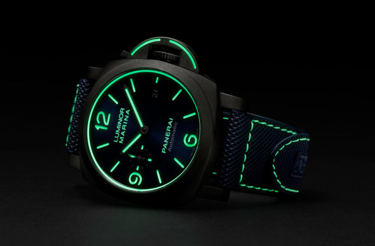 A new and generous application of Super-LumiNova makes the PAM01117 feel like a 21st century neo-futuristic watch