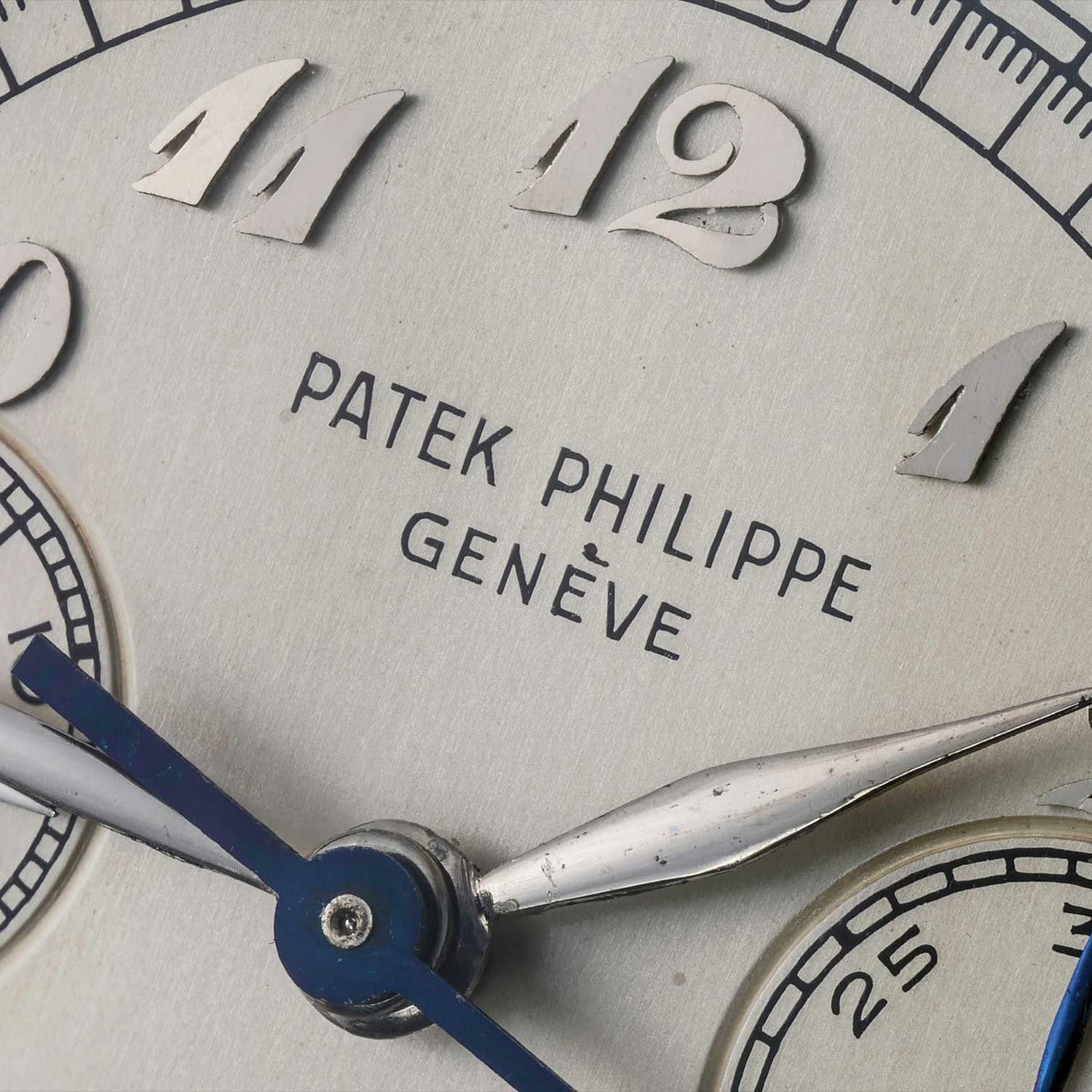 1950 Dial details on the Patek Philippe chronograph ref. 1463 in steel with Breguet numerals (Image: phillipswatches.com)